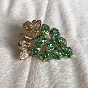🍇  Vintage Grape Brooch & Necklace